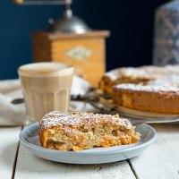 Aprikosenkuchen mit Mandeln: Saftig und süß