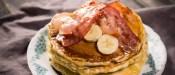 Pancakes με μπανάνα & bacon χαμηλά σε θερμίδες