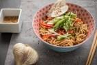 Πικάντικα sesame noodles με κοτόπουλο