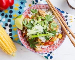 Ταϋλανδέζικο κοτόπουλο με καλαμπόκι και καρύδα