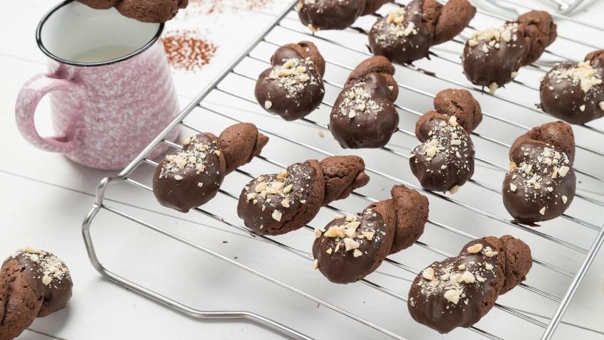 Πασχαλινά κουλουράκια με σοκολάτα