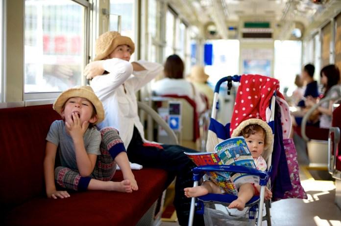 海外の反応:移民受け入れで日本の少子化問題を解決できる?