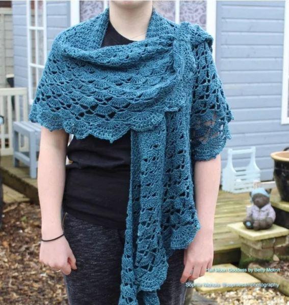 Half Moon Goddess crochet pattern by Betty McKnit