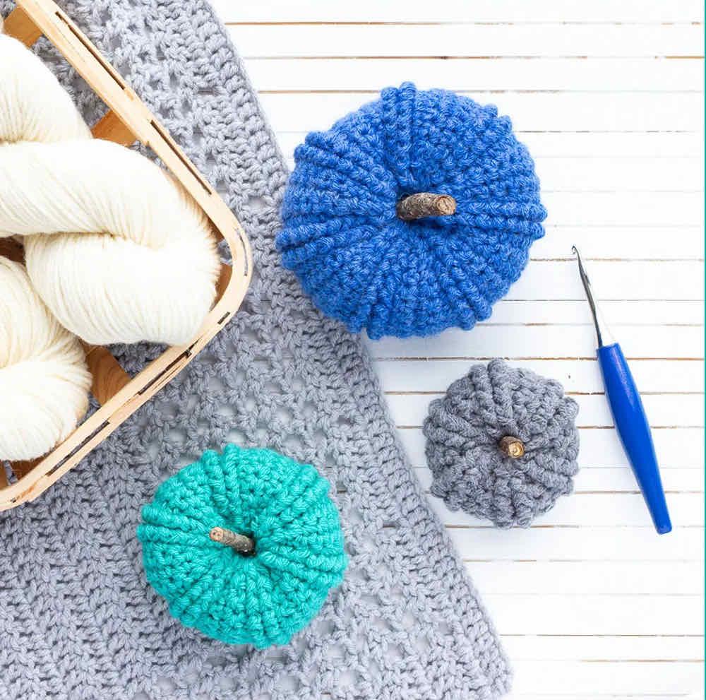 Double twist pumpkin crochet pattern