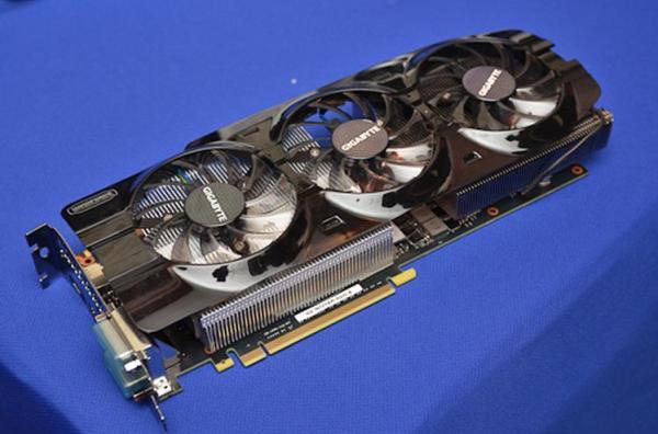 Gigabyte_GeForce-GTX-Titan-WindForce3_01
