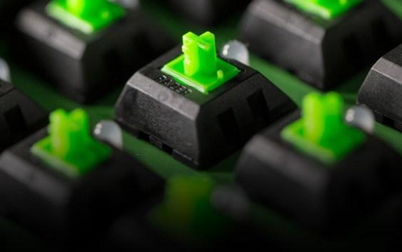 Razer lanza nueva tecnología de switch mecánicos para su familia de teclados BlackWidow.