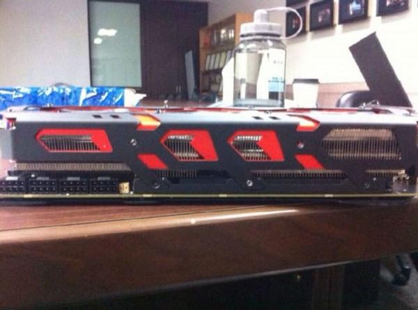 PowerColor_Radeon_R9295X2_Devil13_01