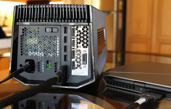 Alienware_13_External Graphics Amplifier_04