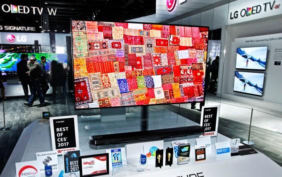 "LG Electronics obtuvo el premio""Best of the best"" en CES 2017 por su línea LG SIGNATURE OLED TV W"
