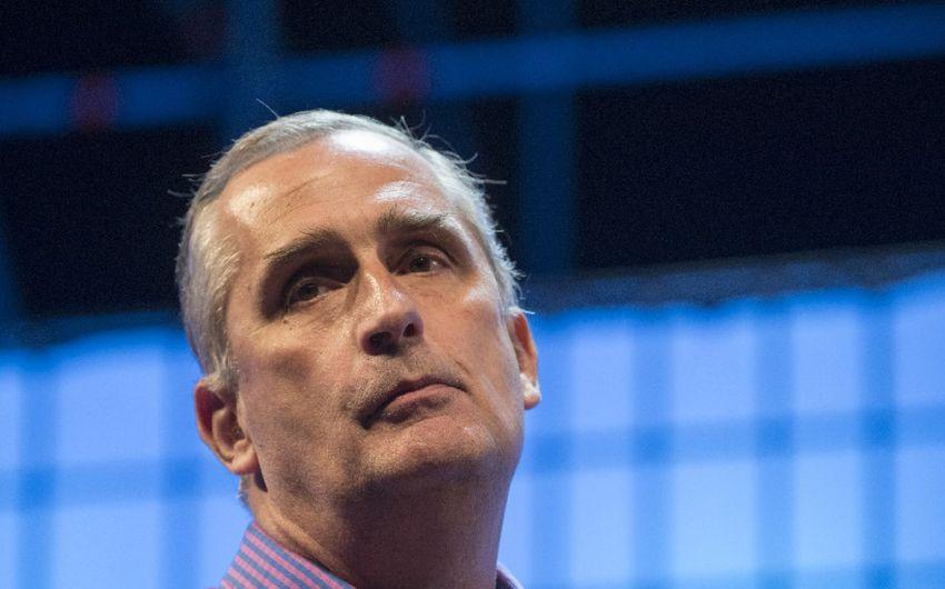 ÚLTIMO MINUTO: Brian Krzanich, CEO de Intel, ha presentado su renuncia.