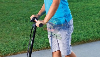 Razor E100 Glow Electric Scooter for Kids Quick Review 2