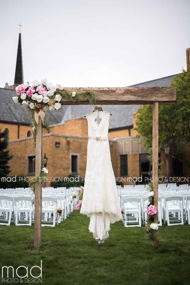 Mad Photo and Design Sioux Falls wedding photographer dress shot