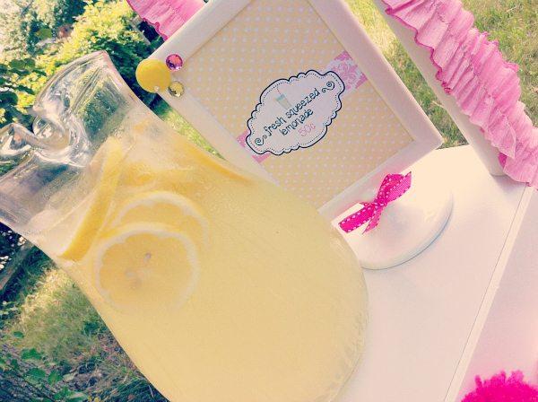 Fresh Squeezed Lemonade Sign