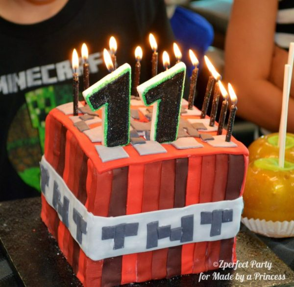 Minecraft birthday party: Minecraft bday cake for a minecraft themed party