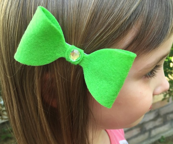 Make a Felt Hair Bow in Minutes