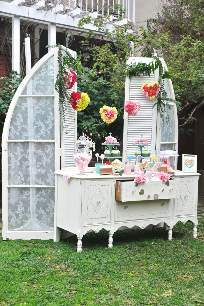Valentines Day Garden Party table