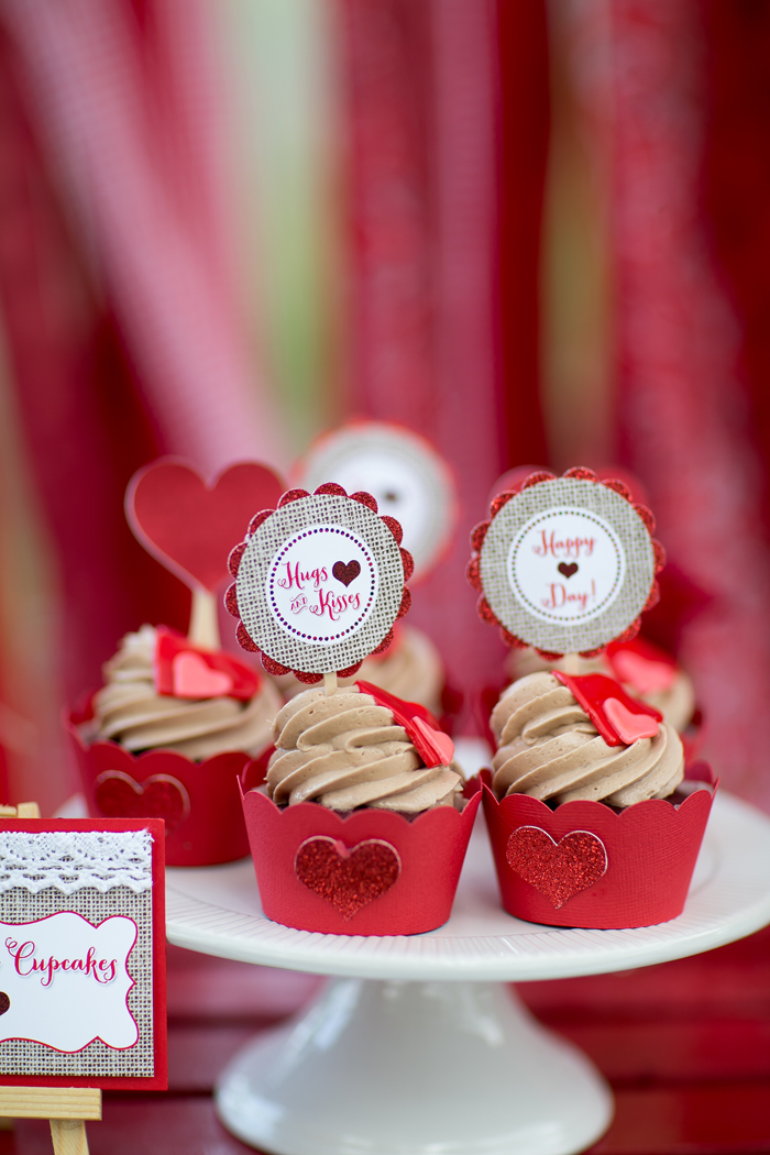 celebrate happy hearts day with cupcakes