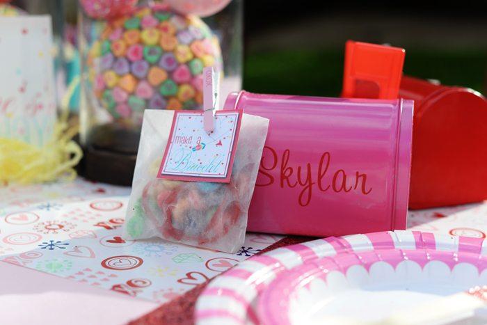 Creative Kids Valentine Party Ideas favors