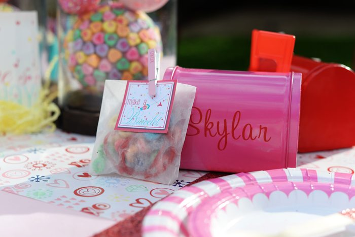 Creative Kids Valentine Party Ideas favors