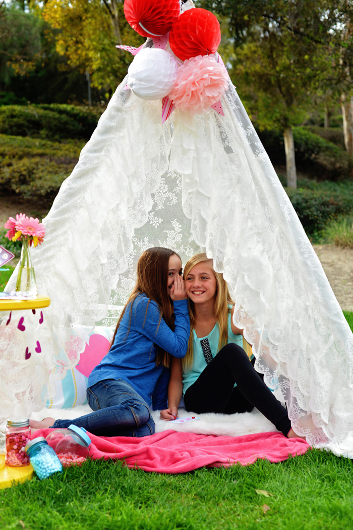 Creative Kids Valentine Party Ideas teepee chats