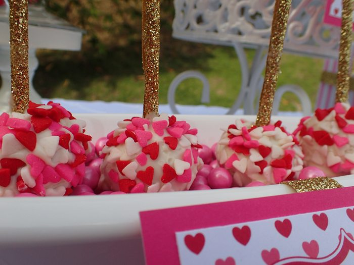 Sweet Party for Sweet Girls cake pops