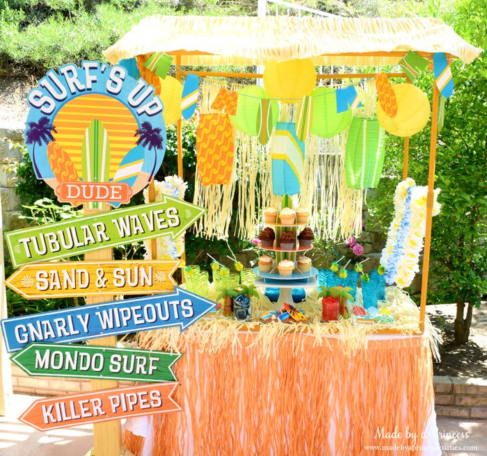 surfs up graduation party with evite table