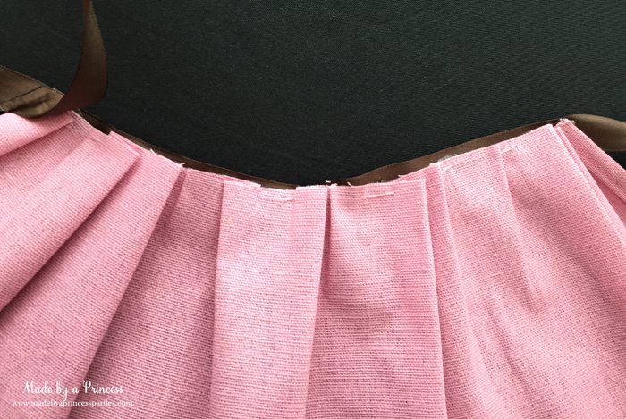 create-darling-simple-apron-halloween-costume-out-of-full-apron-hot-glue-small-piece-brown-ribbon-to-apron-inside