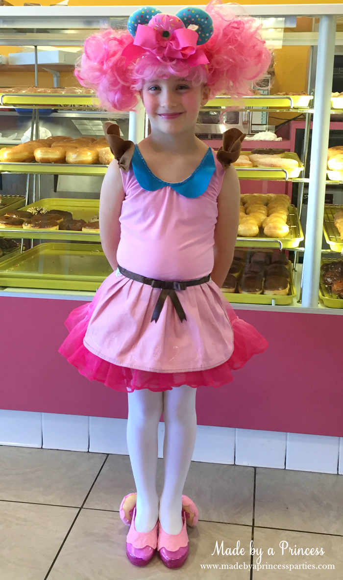 diy-shopkins-shoppie-halloween-costume-donatina-welcomes-you-to-her-donut-shop