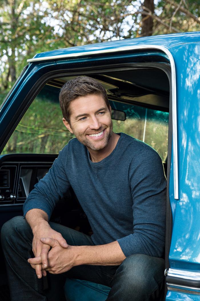 meet-country-crooner-josh-turner-truck-photo-in-truck