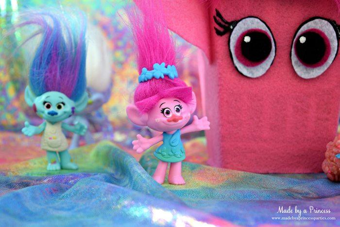trolls-movie-princess-poppy-popcorn-box-party-with-harper-and-rainbow-fabric