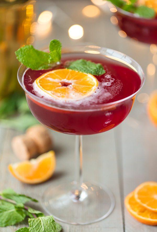 Bubbly-Champagne-Recipe-Cocktail-Ideas-holiday-flirtini