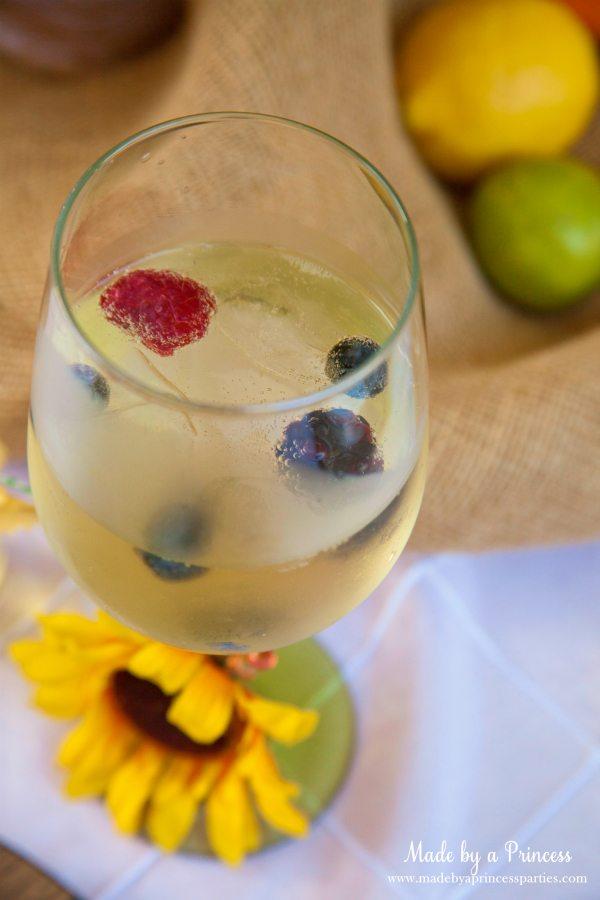 bubbly-champagne-recipe-cocktail-ideas-limoncello-prosecco-drink
