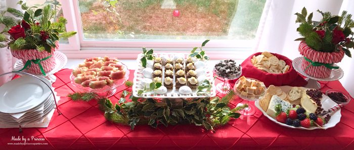 budget-friendly-holiday-mimosa-bar-party-buffet-table
