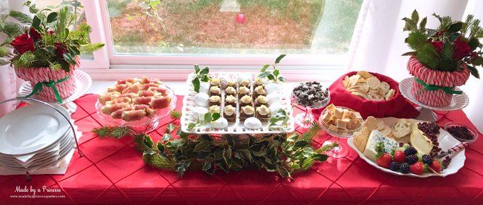 budget-friendly-holiday-mimosa-bar-party-buffet-table