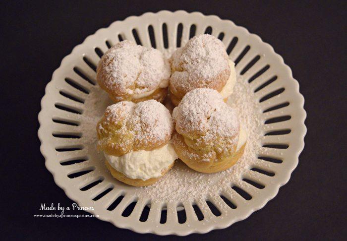 easy-champagne-cream-puffs-recipe-with-powdered-sugar