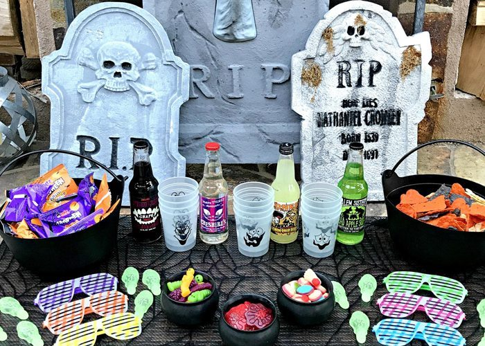 Teen Halloween Party Ideas Made by a Princess #halloweenparty #teenhalloween