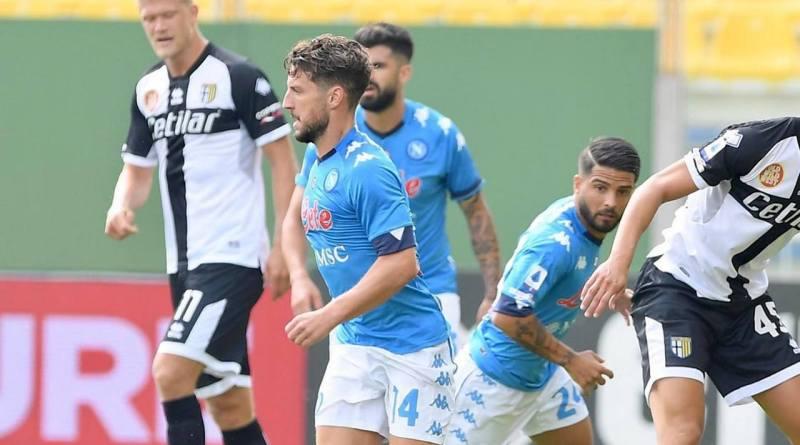 Napoli, buona la prima. A Parma gli azzurri si impongono per 2-0: a segno Mertens e Insigne