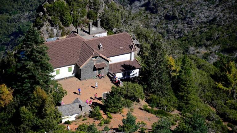 Casa do Pico Ruivo target of criticism