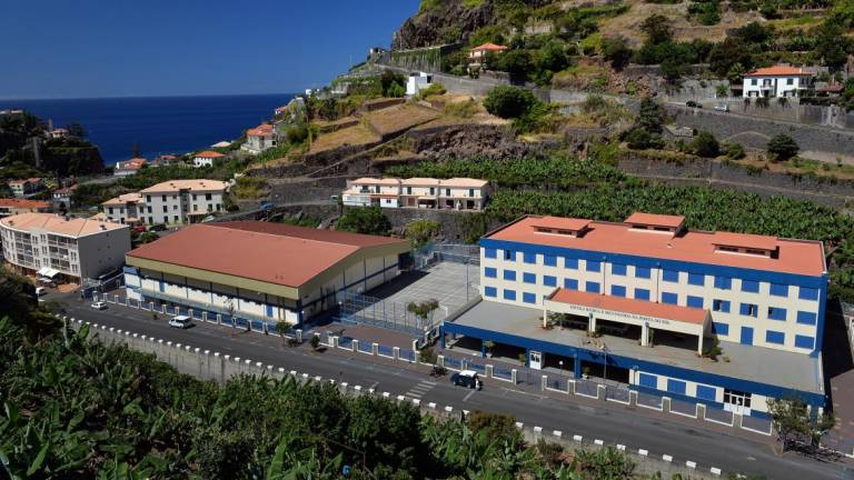 School teacher in Madeira was beaten by student