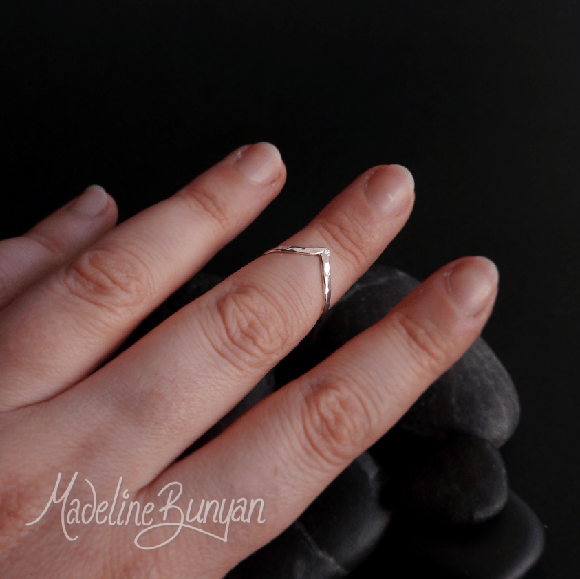 Wishbone Chevron Ring, Sterling Silver Size J, small ring, mid-knuckle ring, mid finger, midi, Pinkie