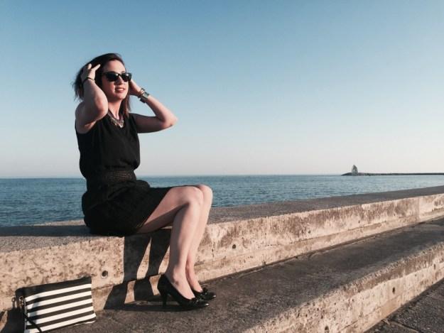 Ma petite robe noire vue assise détails chaussures