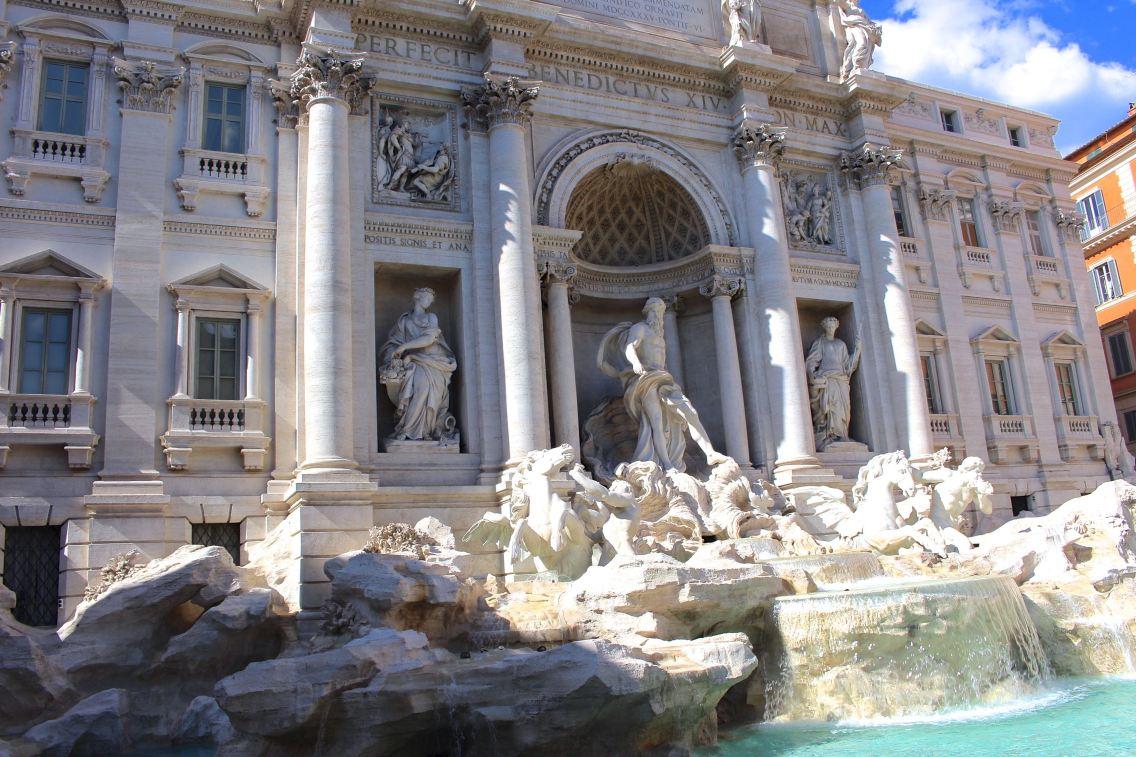 Rome city guide fontaine de trevi 2 mademoiselle-e
