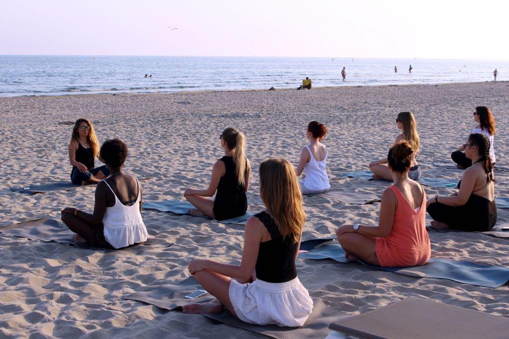 Grand Plage Boheme yoga cours 1 mademoiselle e