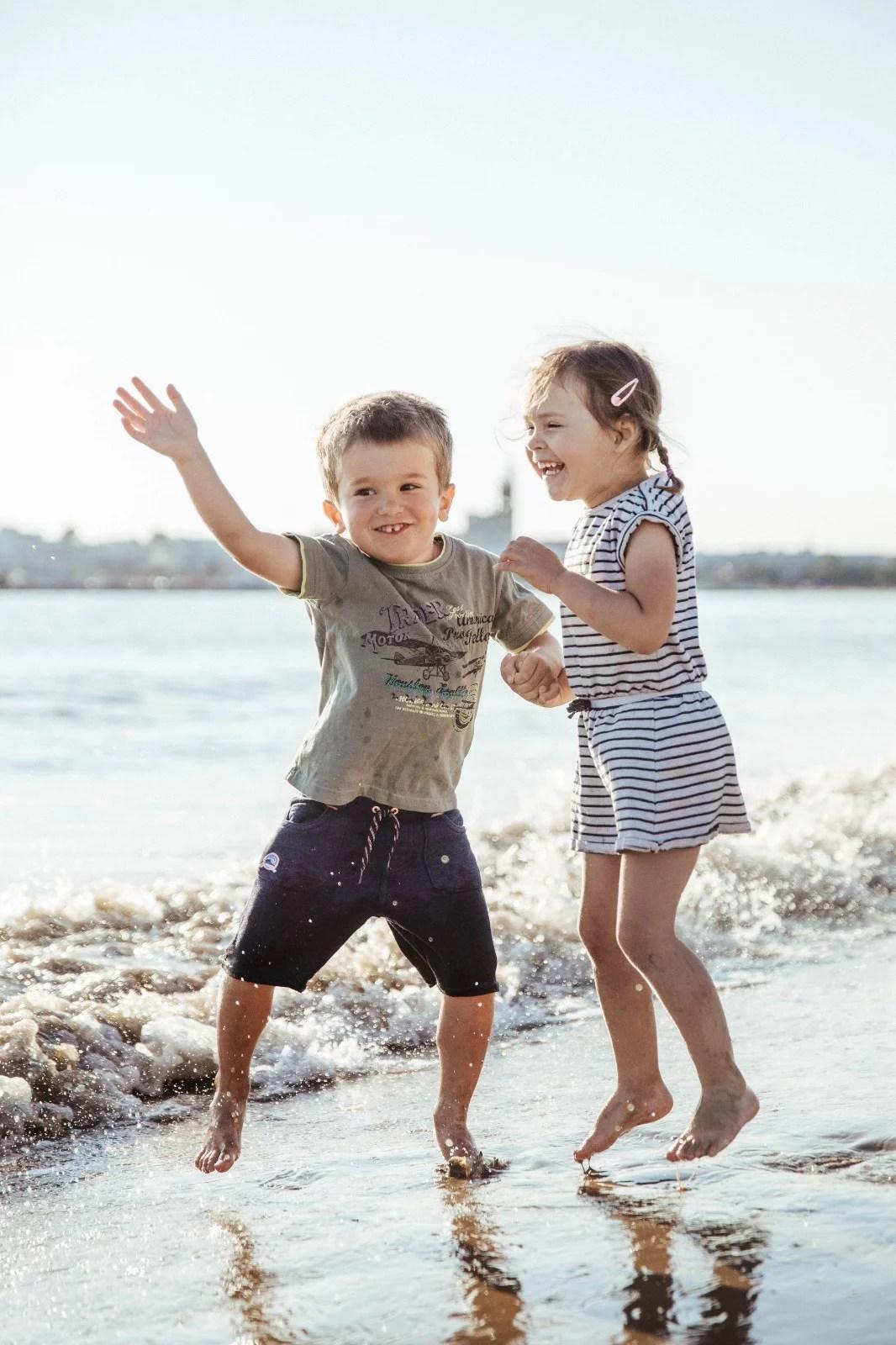 Top 10 des accessoires pour aller à la plage avec des enfants