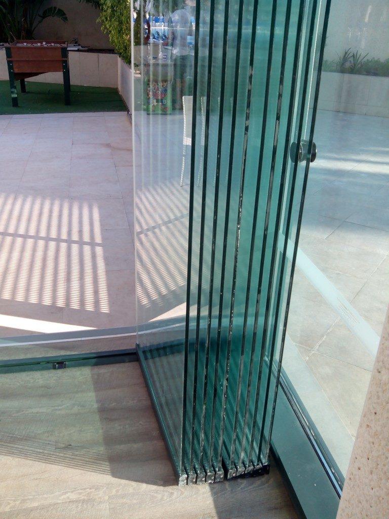 Cerramientos y Cortinas de Cristal Puertas correderas de cristal