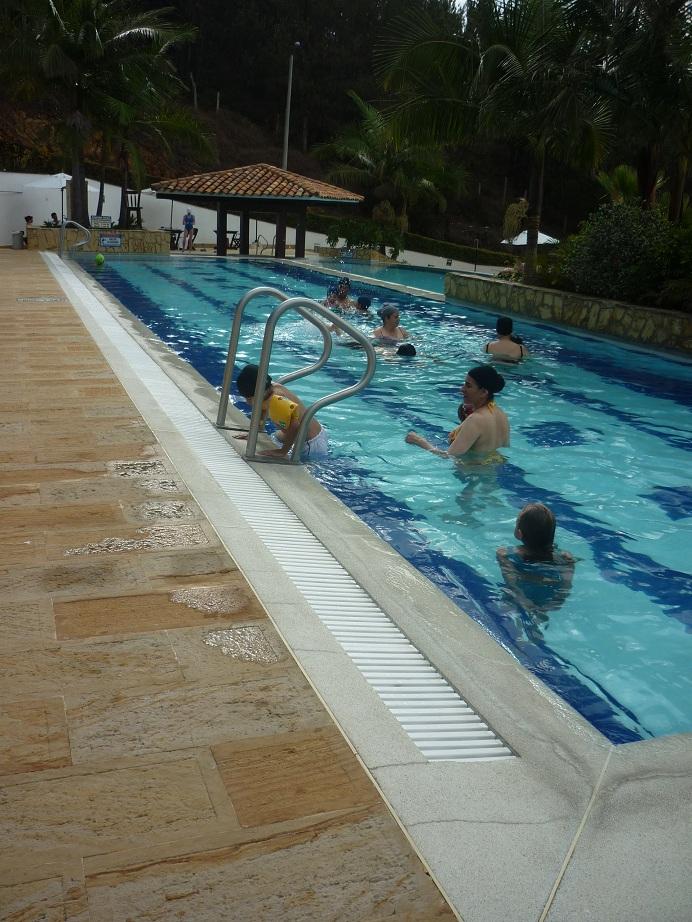 Rejillas industriales Rejillas peatonales Rejillas plsticas rejillas vehiculares rejillas para piscinas rejillas para sumideros