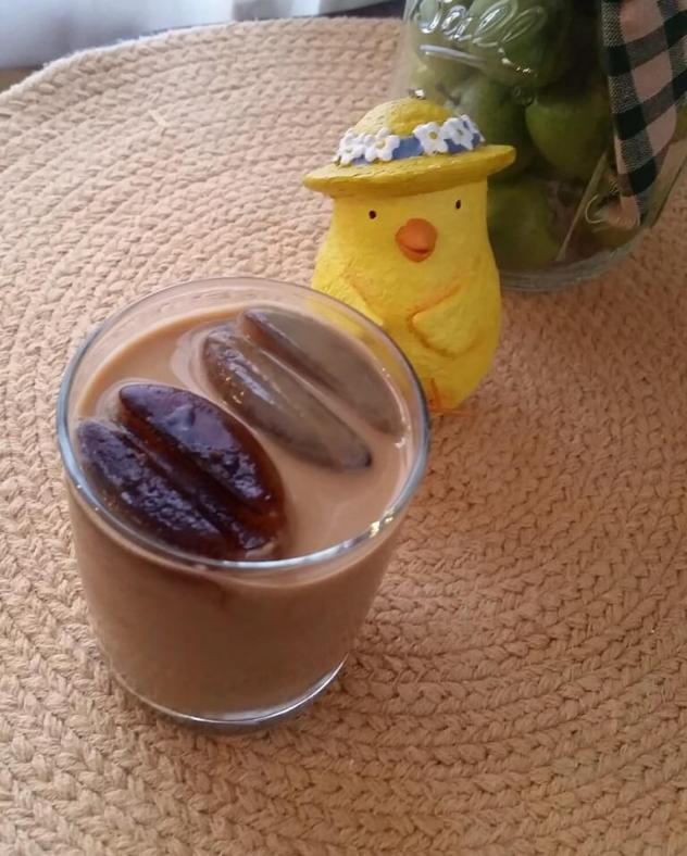 Classic Cold Brew Coffee with Coffee Ice Cubes