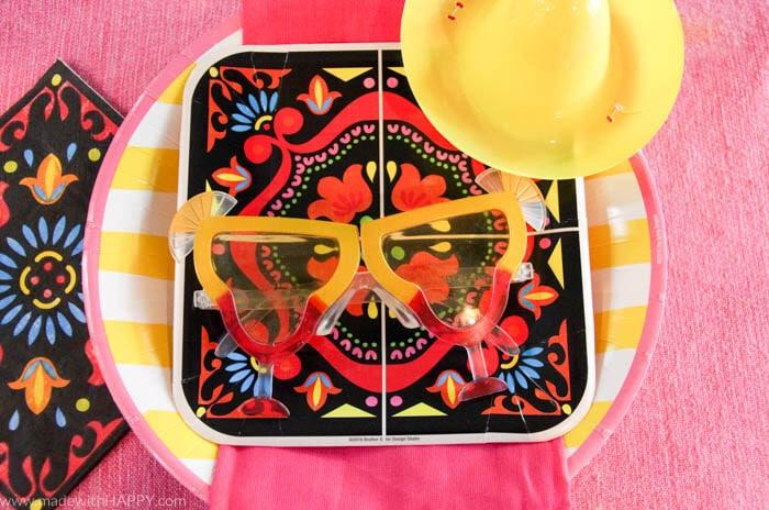 How to throw a Margarita Party for Cinco de Mayo   3 Ingredient Margaritas   Beer Margarita   Margaritas recipe   Cinco de Mayo party   www.madewithhappy.com