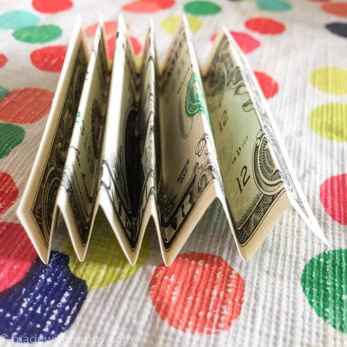 How to make a money lei   Graduation Money Lei   Graduation Money Necklace How To   Graduation Gifts   www.madewithhappy.com