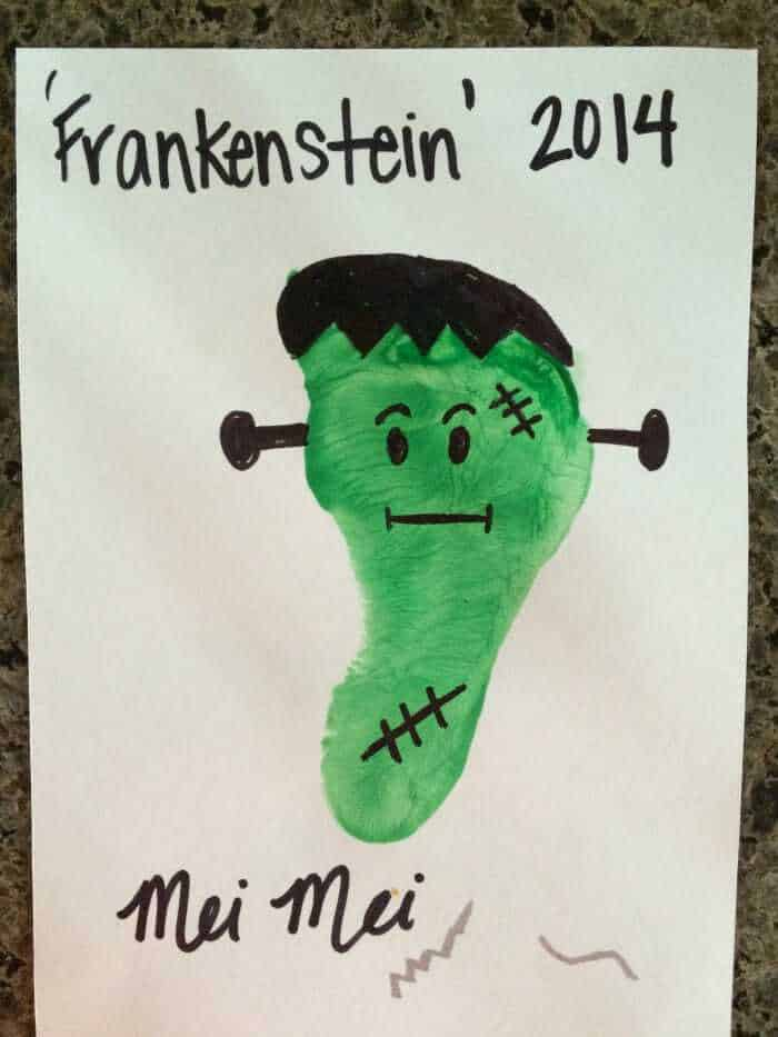 Kids Halloween Crafts   Frankenstein Foot Prints   Preschool Kids Crafts   Last minute Halloween Fun!   www.madewithhappy.com